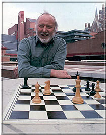 Ken Whyld on the title page of CHESS, Nov. 1998